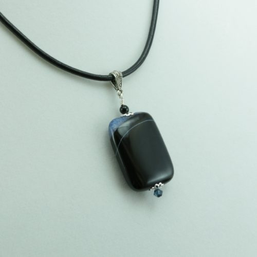 Blue and Black Agate Pendant Necklace for Photo Engraving